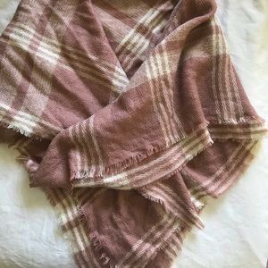Large Charlotte Russe dusty pink blanket scarf